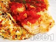 Панирана бяла риба мерлуза в белтъци и царевичен грис с доматен чеснов сос